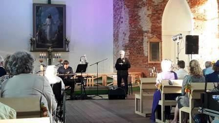 Jāņa Lūsēna dziesmas, Kārļa Skalbes pasakas Vecpiebalgas baznīcā