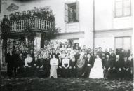 Vecpiebalgas Labdarības biedrības koris pie Vecpiebalgas muižas 20.gs. sākumā