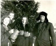 Jānis Skalbe ar draugiem 20.gs. 60.gadi