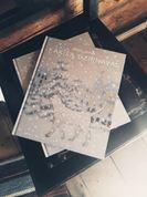 """""""Kaķīša dzirnavu"""" pasaule Kārļa Skalbes mājās un mākslinieces Ievas Jurjānes autogrāfs katram"""
